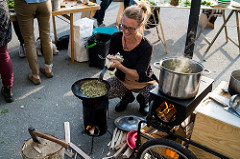 Foraging and Cooking at Slakthusatlj�erna, Erik Sj�din 2016